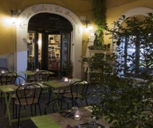 cicala-formica-ristorante-roma-monti-tavoli-esterno-540
